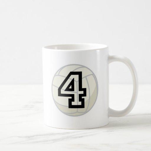 Regalo del número 4 del uniforme del jugador de vo taza básica blanca