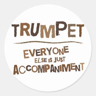 Regalo divertido de la trompeta pegatina redonda