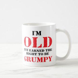 Regalo divertido del jubilado taza