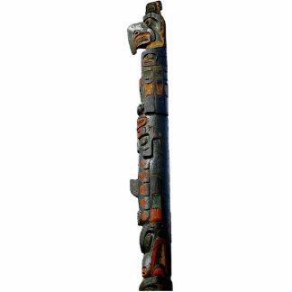 Regalo esculpido tótem místico del nativo american escultura fotográfica