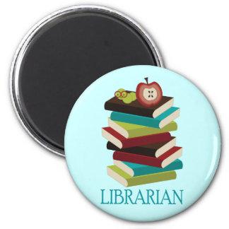Regalo lindo del bibliotecario de la pila de libro imán redondo 5 cm