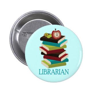 Regalo lindo del bibliotecario de la pila de libro pin redondo de 2 pulgadas