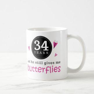 Regalo para la 34ta mariposa del aniversario de taza clásica