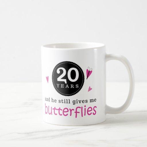 Regalo para la vigésima mariposa del aniversario d taza