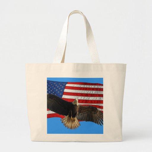 Regalo patriótico calvo de Eagle que vuela los E.E Bolsa