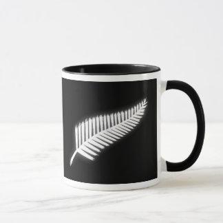 Regalo patriótico del emblema nacional del helecho taza