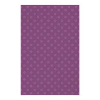 Regalo púrpura de Zazzle del fondo del lunar de Personalized Stationery