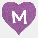 Regalo púrpura del pegatina del monograma M del da