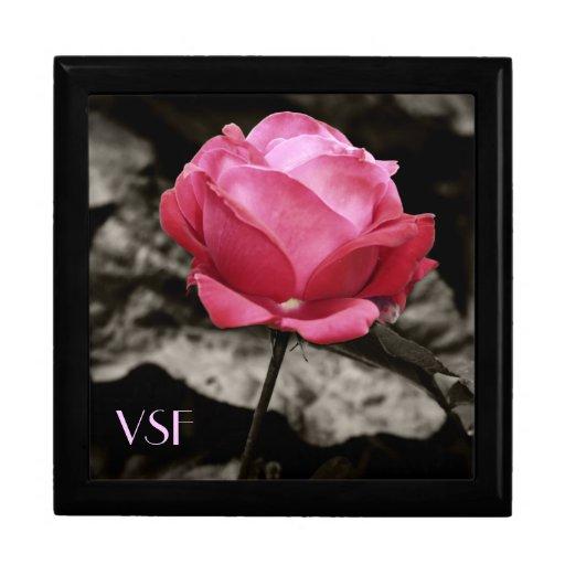 Regalo y joyero de madera color de rosa rosados