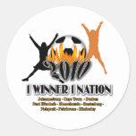Regalos 2010 y recuerdos de la nación de anfitrión etiquetas redondas