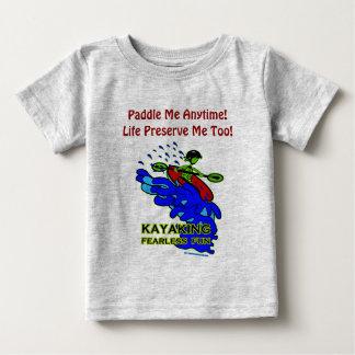 Regalos audazes Kayaking de la diversión Playera De Bebé