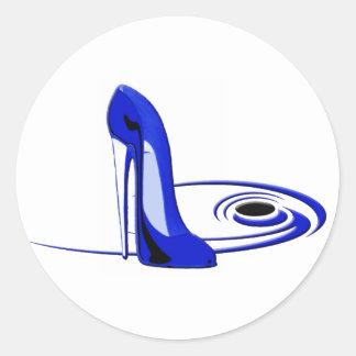 Regalos azules modernos del arte del zapato del pegatina redonda