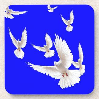 Regalos blancos del azul de cobalto de las palomas posavasos de bebidas