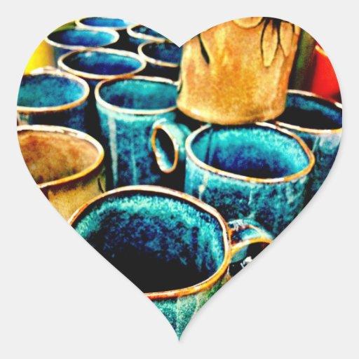 Regalos coloridos de las tazas de café para los pegatina en forma de corazón