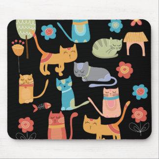 Regalos coloridos lindos de los gatos del gatito p tapete de ratones