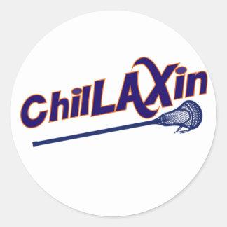 Regalos de Chillaxin LaCrosse LAX Pegatina Redonda