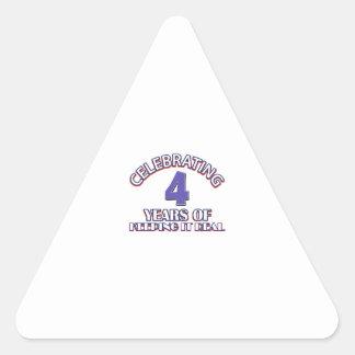 regalos de cumpleaños de 04 años pegatina triangular
