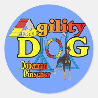 Regalos de la agilidad del Pinscher del Doberman Pegatina Redonda