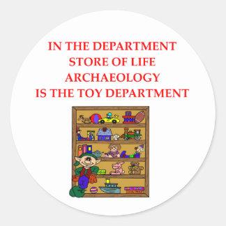 Regalos de la arqueología etiqueta redonda