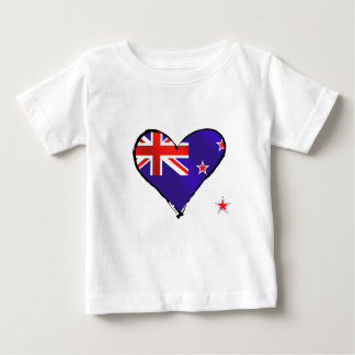 Regalos de la bandera del corazón del amor de remeras