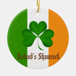 Regalos de la bandera y del trébol de Irlanda Ornamentos De Reyes