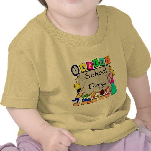 Regalos de la escuela de las camisetas y de los ni