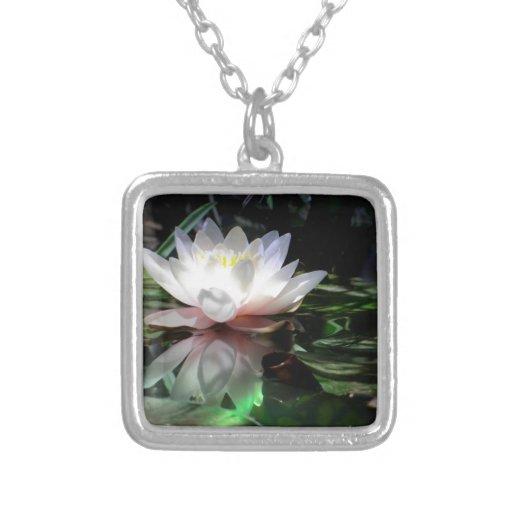 Regalos de la flor de Lotus Collares