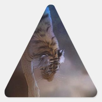 Regalos de la luna del tigre pegatina triangular