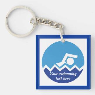 Regalos de la natación, nadador en un llavero cuadrado acrílico a una cara