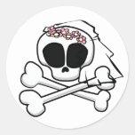 Regalos de la novia del cráneo pegatina redonda