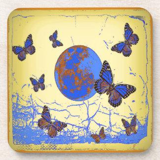 Regalos de las mariposas de la luna azul por posavasos
