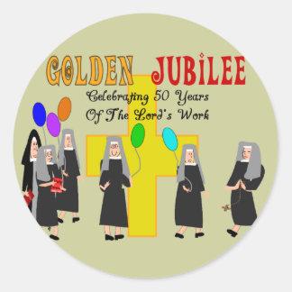 Regalos de oro del jubileo de las monjas pegatina redonda