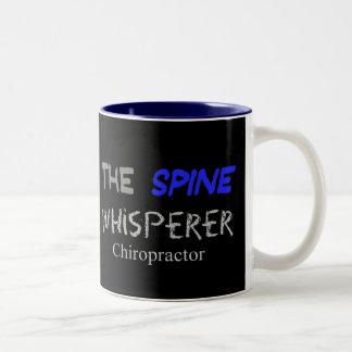 """Regalos del Chiropractor """"el Whisperer de la Taza De Dos Tonos"""