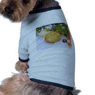 Regalos del destino del árbol del día de fiesta de camisa de mascota