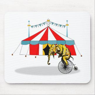 Regalos del elefante del circo alfombrilla de raton