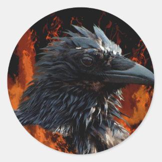 """Regalos """"del fuego del cuervo"""" pegatina redonda"""