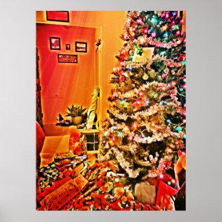 Regalos del navidad debajo del árbol póster