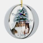 Regalos del navidad del perro pastor de Shetland Adorno De Reyes