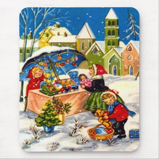 Regalos del navidad en un mercado del navidad tapetes de ratón