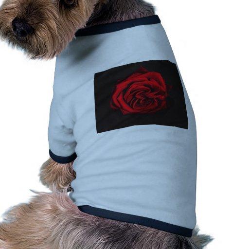 Regalos del rosa rojo camiseta con mangas para perro