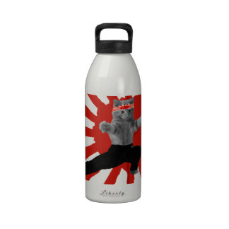 Regalos divertidos del gatito del karate botellas de agua reutilizables