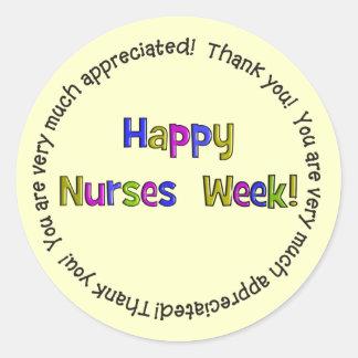 Regalos felices de la semana de las enfermeras pegatinas redondas