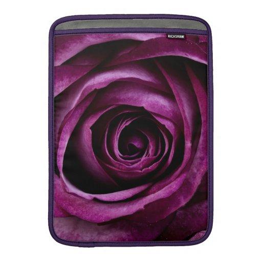 Regalos femeninos de los pétalos color de rosa púr funda  MacBook