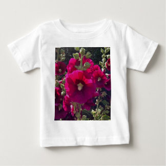 Regalos fucsias del jardín de los Hollyhocks T Shirt