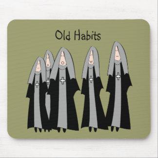 "Regalos hilarantes de la monja de los ""viejos hábi tapetes de ratón"