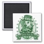 Regalos irlandeses verdes Mutt-Hechos frente del l Imán De Nevera