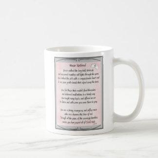 Regalos jubilados del poema de la enfermera por el taza