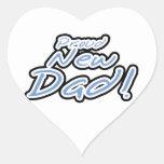 Regalos orgullosos del papá del texto azul/negro colcomanias de corazon