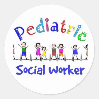 Regalos pediátricos del asistente social pegatina redonda