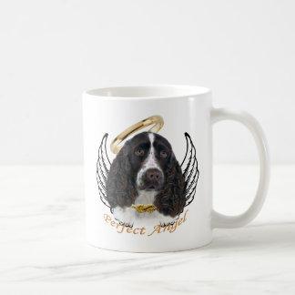 Regalos perfectos del ángel del perro de aguas de taza clásica